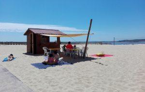 """Costa de Santo André tem """"Biblioteca na Praia"""" até 1 de setembro"""