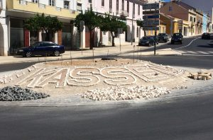 Sant'Iago de Kassem: rotunda no Largo 25 de Abril evoca história secular da Cidade